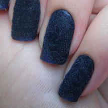 Unhas de pelúcia azul