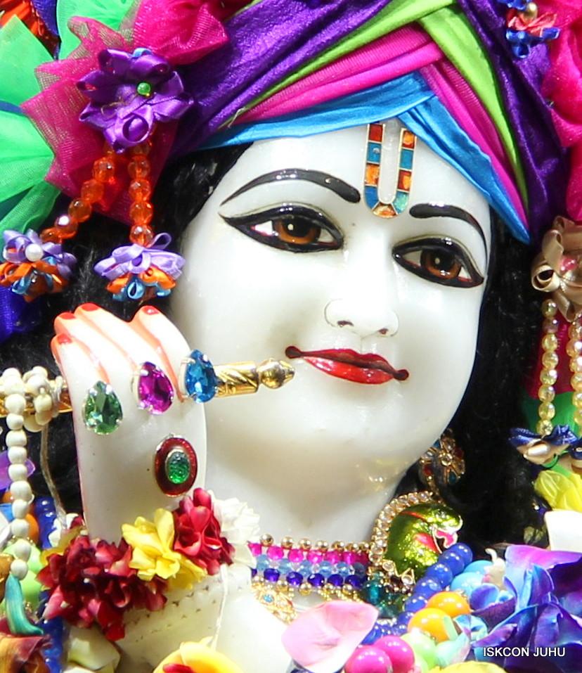 ISKCON Juhu Sringar Deity Darshan on 29th April 2016 (59)