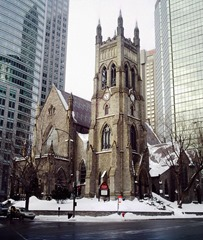 800px-St_George_Anglican_Montreal