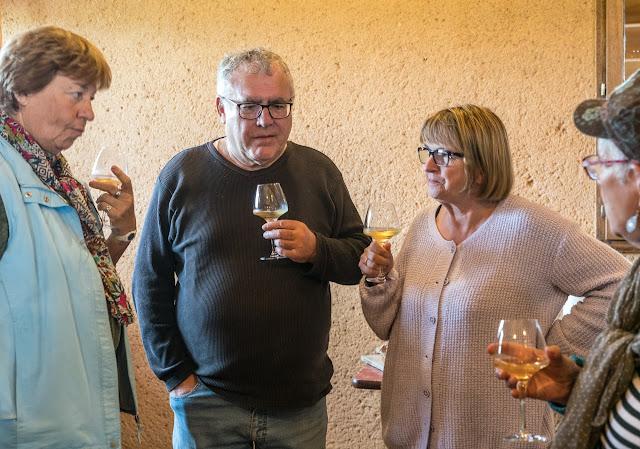 Petites vendanges 2017 du chardonnay gelé. guimbelot.com - 2017-09-30%2Bvendanges%2BGuimbelot%2Bchardonay-142.jpg