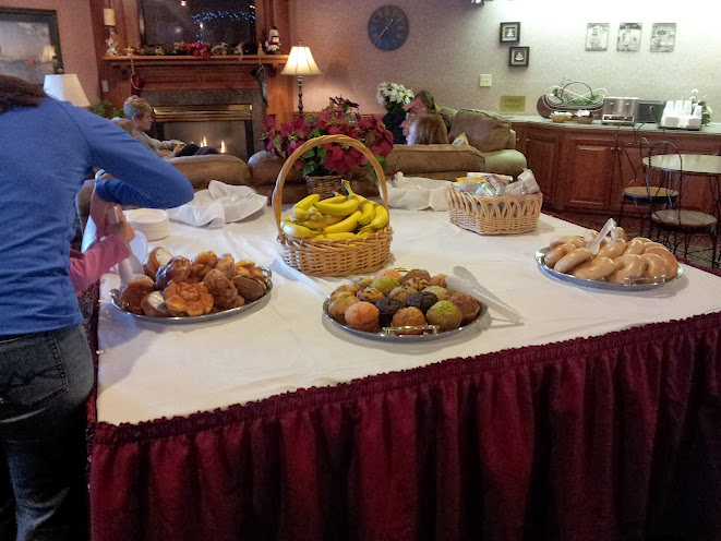 Saturday Women's Weekend Continental Breakfast at Bridgeport Resort in Door County.