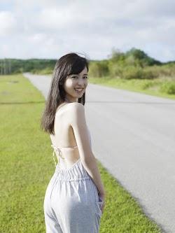 Kuji Akiko 久慈暁子