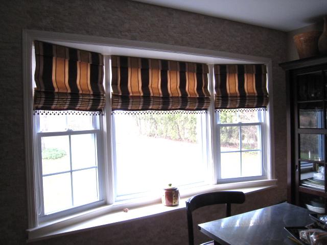 Leatherwood design co bay window roman shades for Roman shades bay window