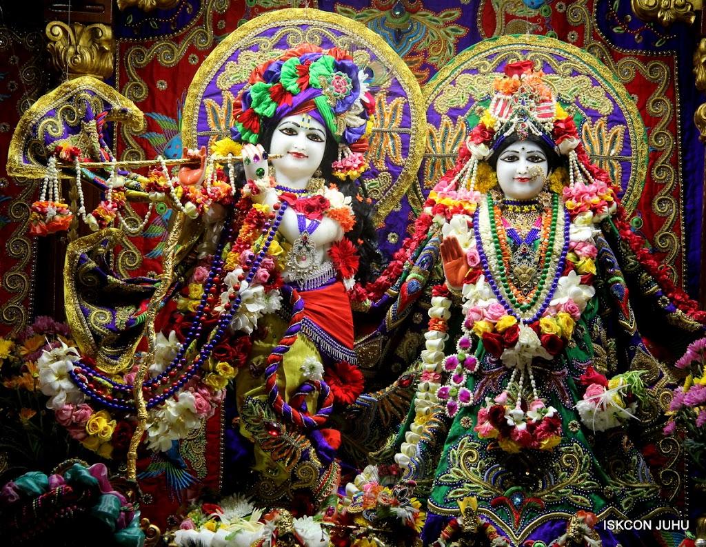 ISKCON Juhu Sringar Deity Darshan on 31st July 2016 (9)