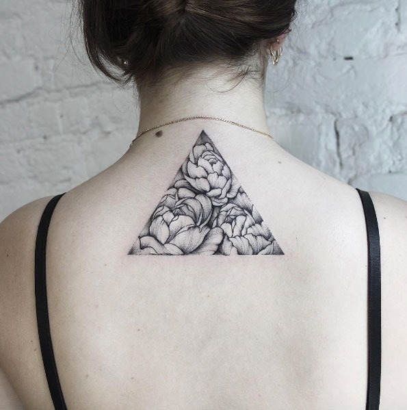 Este dotwork triângulo