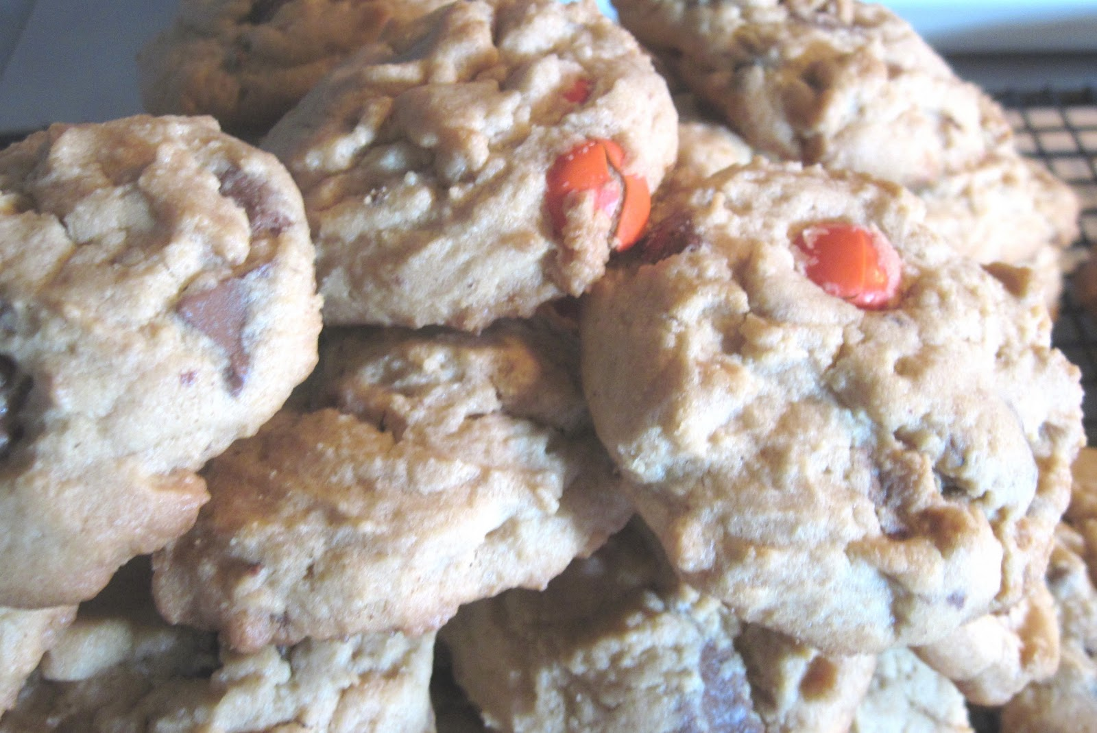 The Better Baker: Candy Bar Peanut Butter Cookies