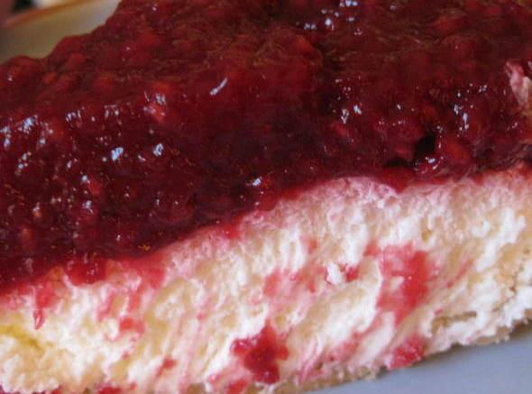 Top with remaining berries. Pour cooled raspberry sauce over top. Refrigerate for 3 hours.