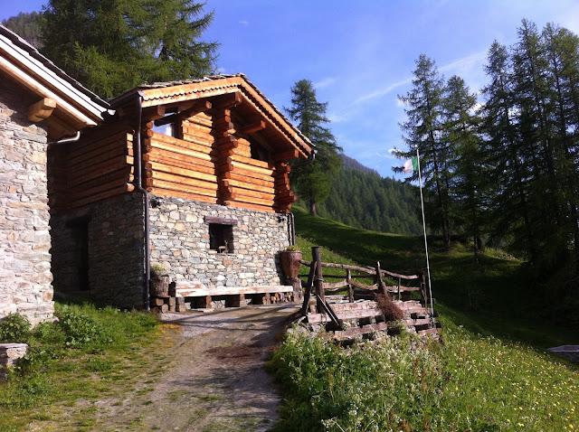 Baite di montagna interni la baita di montagna with baite for Le piu belle baite in montagna