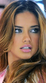 PLUS-WINNER-Adriana-Lima-Pink-Lips-1136x640.jpg
