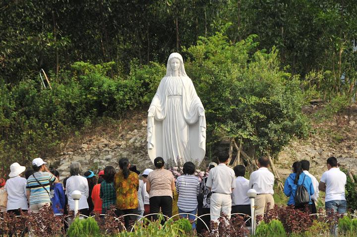 Ngày hành hương tháng 06 tại Đền Thánh Mẹ Nhân Lành vào thứ Bảy, ngày 02/06/2018, do giáo hạt VẠN NINH đảm trách