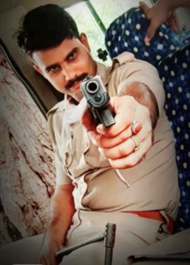 पुलिस वाले पर छाया मॉडलिंग का नशा, हाथ में रिवाल्वर लिए दबंग स्टाइल में विडियो हुआ वायरल