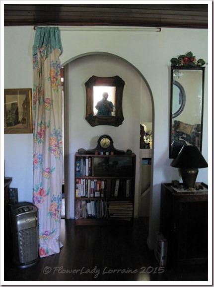 06-22-hall-curtain