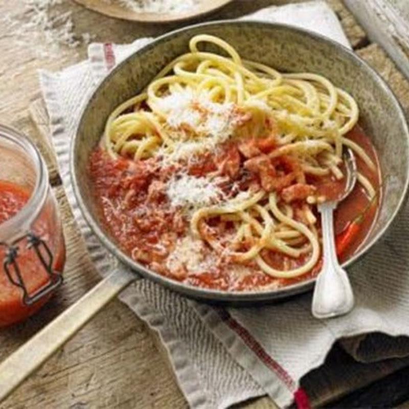 Italian Christmas Recipes: Classic Amatriciana.