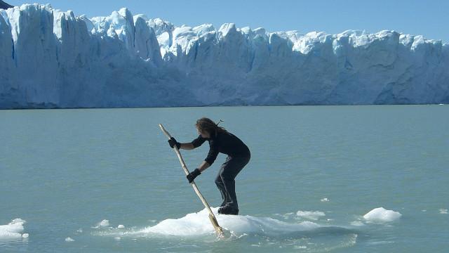 iceberg as paddleboard perito moreno glacier
