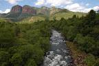 Senere på dagen er vi kommet op til foden af Drakensbjergene.