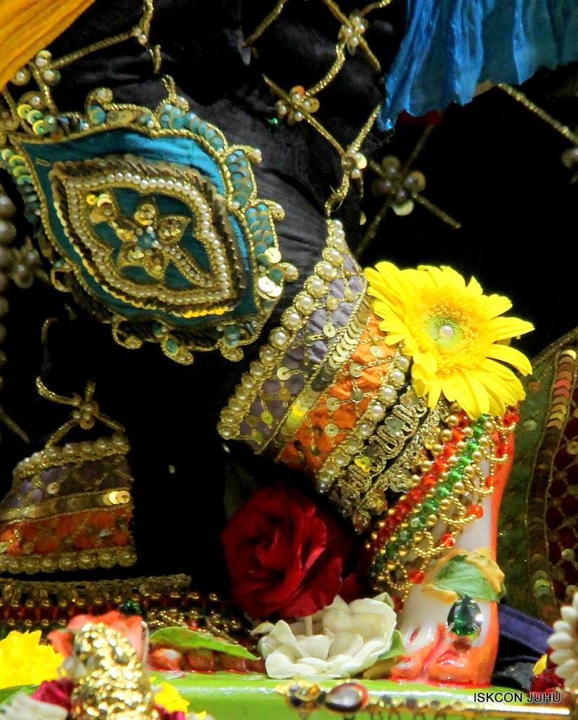 ISKCON Juhu Sringar Deity Darshan 09 Apr 16 (13)
