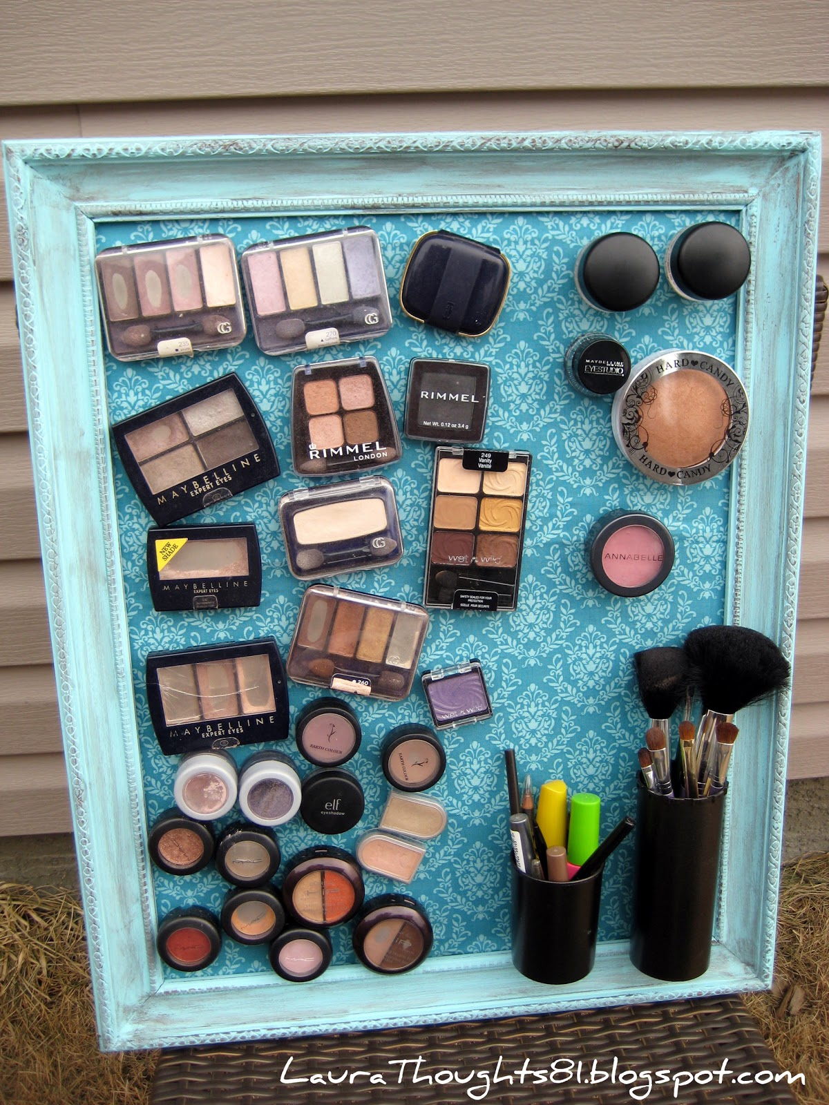 Magnetic Board | Makeup Organizers And Storage Ideas For Makeup Junkies