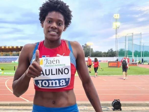 Marileidy Paulino  clasifica  en primer lugar a las semifinales de atletismo en 400 metros planos