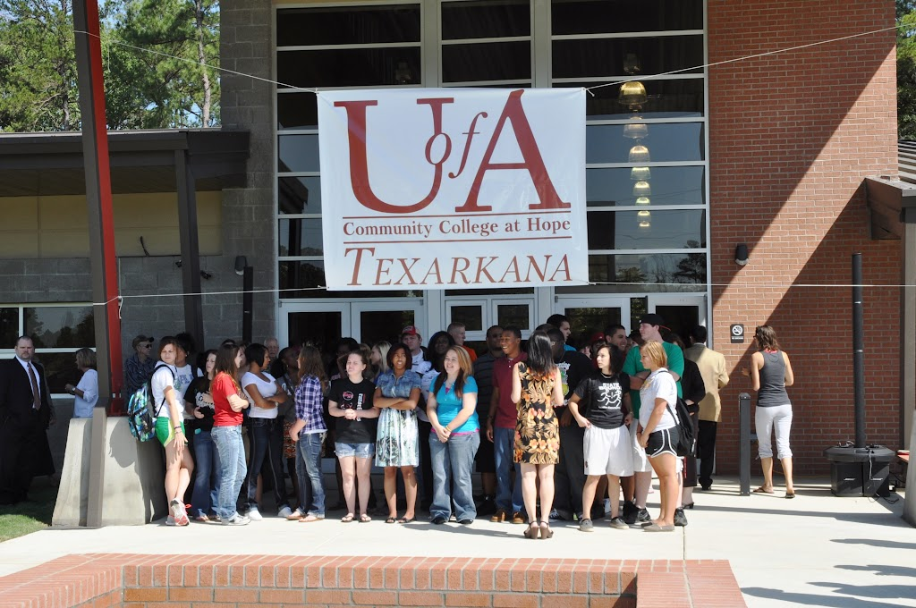 UACCH-Texarkana Ribbon Cutting - DSC_0350.JPG