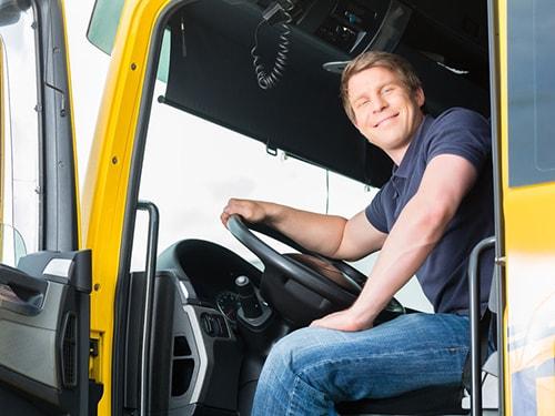 Transportista en el camión