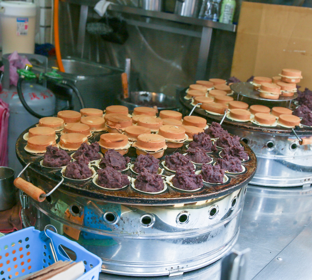 photo of Red Bean Filled Pancakes cooking