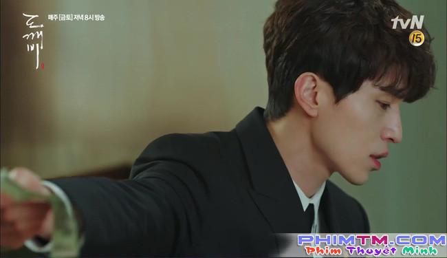 Goblin: Sau 9 năm lưu lạc, chỉ mỗi Lee Dong Wook là nhớ Gong Yoo! - Ảnh 19.