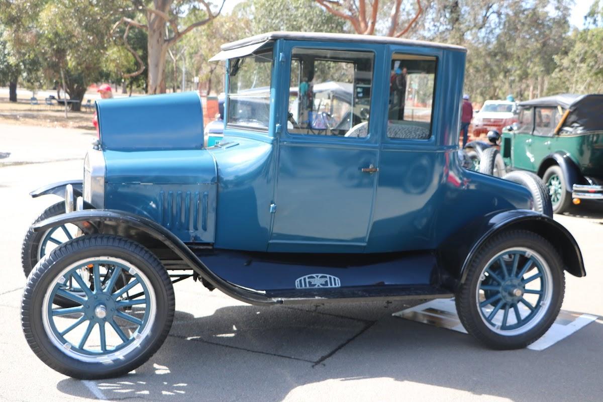 Ford Model A Tudor 02.JPG