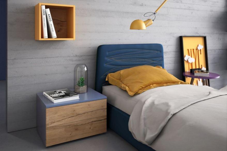 particolare letto imbottito per cameretta e mensola cubo.JPG