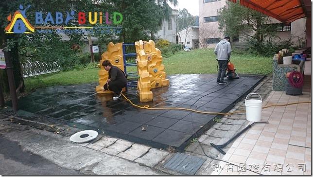 BabyBuild 彈性安全地墊青苔清潔
