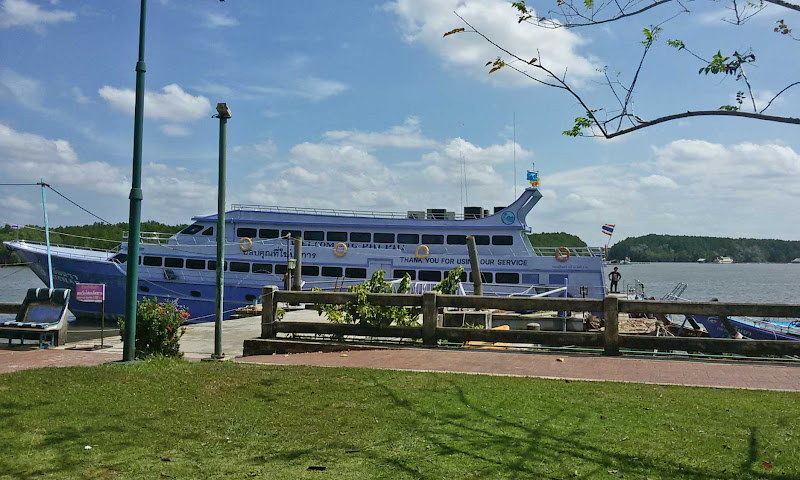 barco ferry boat tailandia
