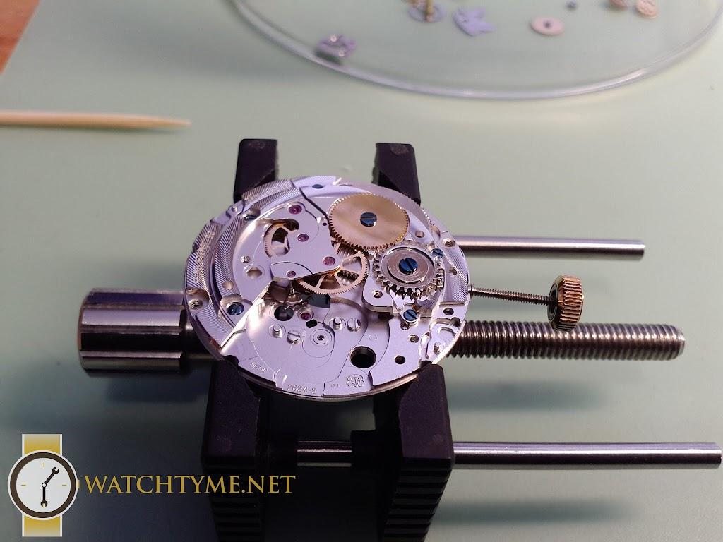 Watchtyme-Junhans-Meister-Calendar-2015-09-029