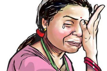 महिला ने इज्जत बचाने की प्रभारी निरीक्षक शाहगंज से लगाई गुहार