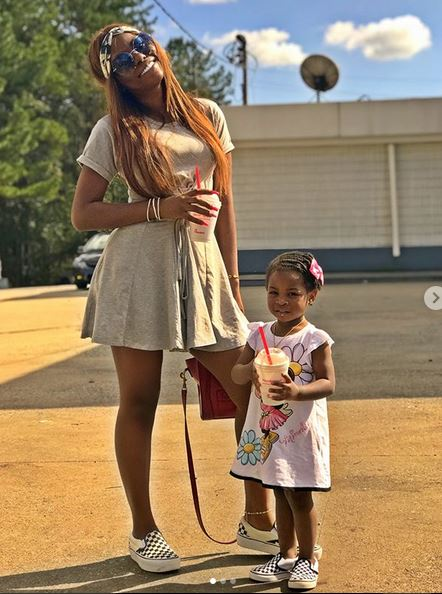 'Parenting is not easy!' – Davido's baby mama seeks advise from older older parents