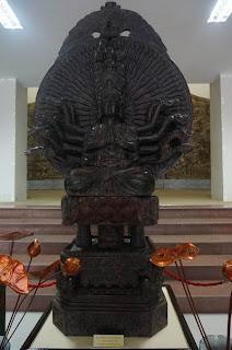 da-nang-beach-hotel-buddhist-exhibition