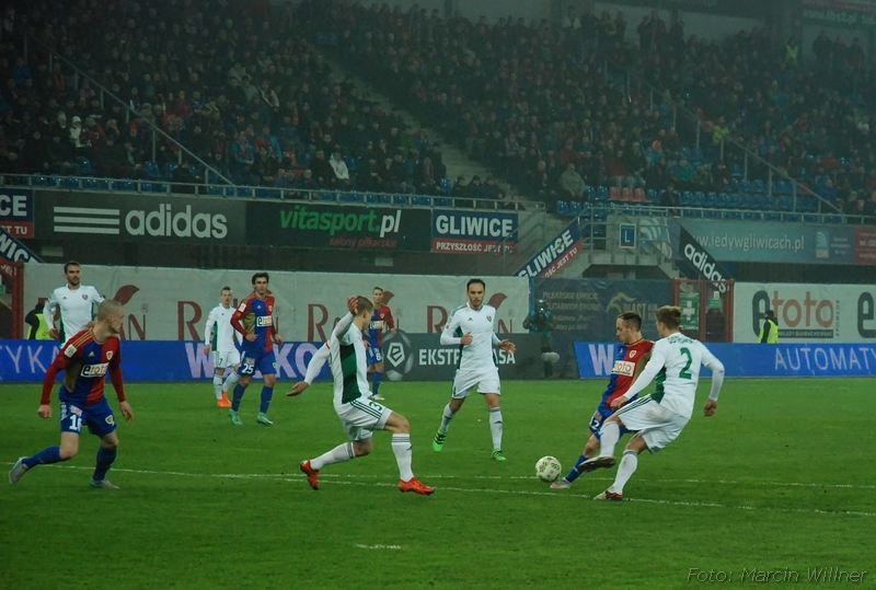 Piast_vs_Slask_2016_03-05.jpg