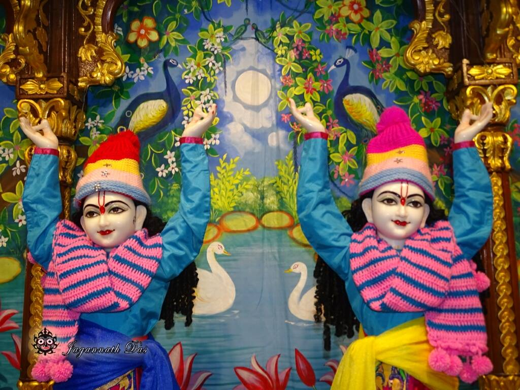 ISKCON Mira Road Mangal Deity Darshan 02 Feb 2016 (2)