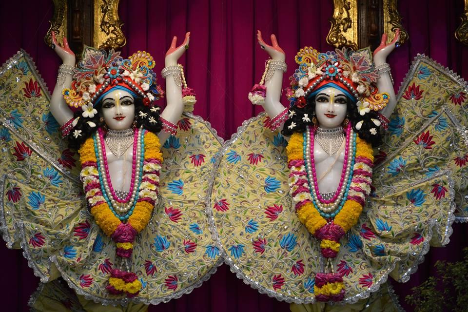 ISKCON Ujjain Deity Darshan 1 April 2016 (9)