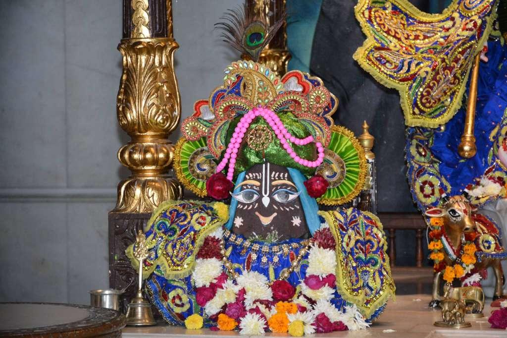 ISKCON Ujjain Deity Darshan 22 Dec 2015 (3)