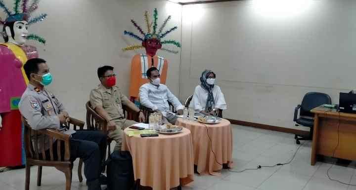 Kesbangpol Jakarta Barat Gelar Program Kemitraan Partai Politik secara Virtual...