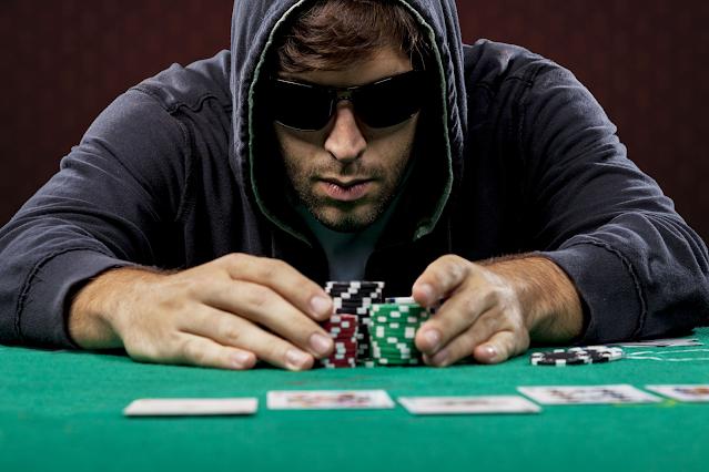 Kinh nghiệm chơi poker chuẩn xác nhất của cao thủ lâu năm