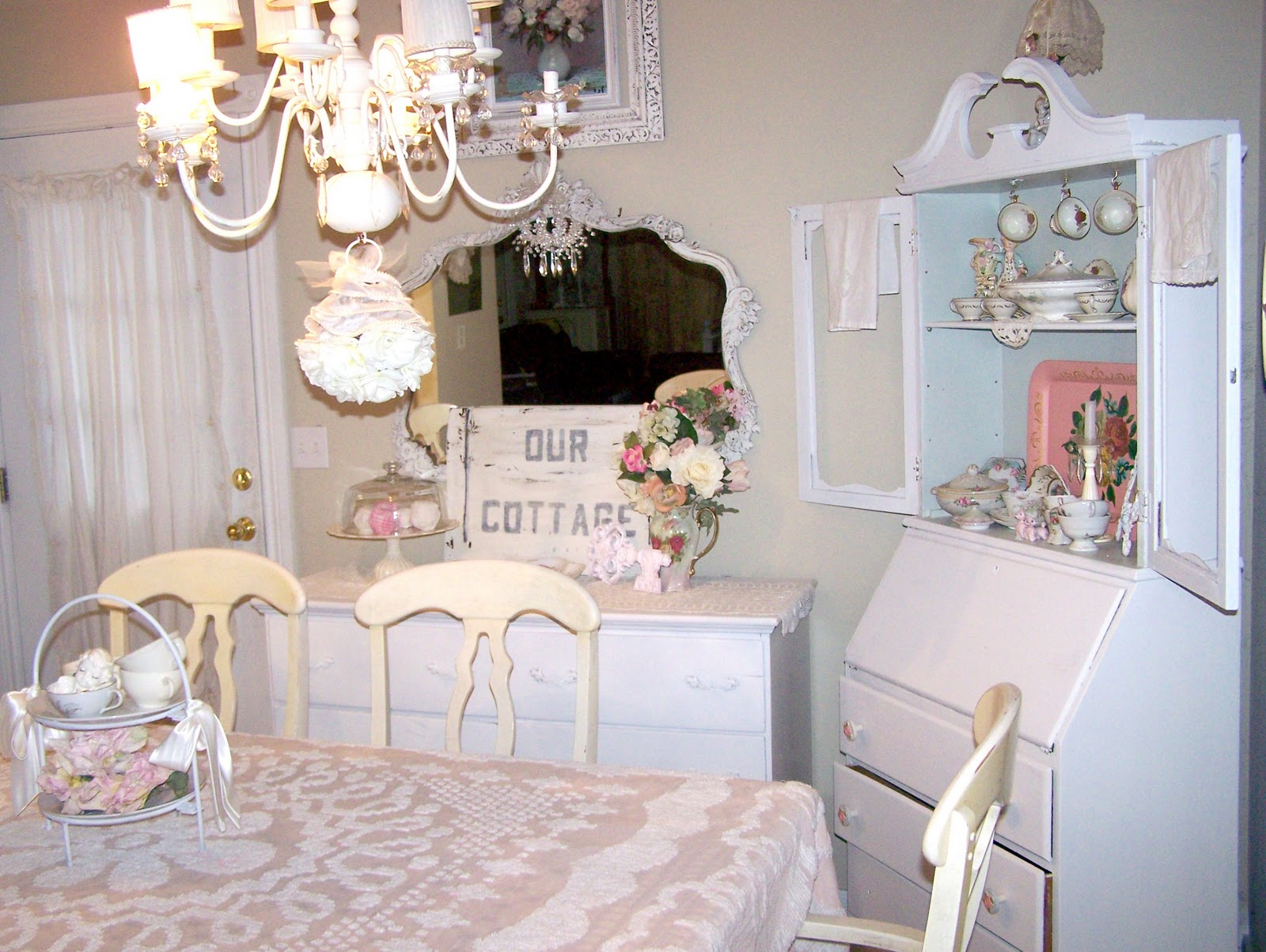 Olivia's Romantic Home: Shabby Chic Cottage Dining Room!