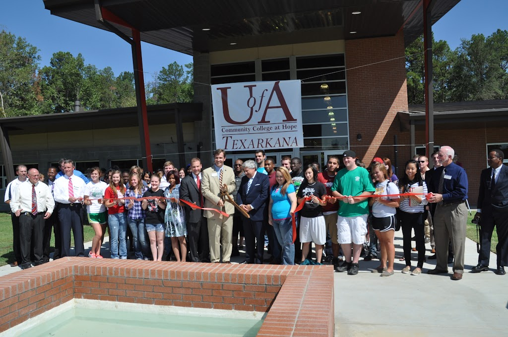 UACCH-Texarkana Ribbon Cutting - DSC_0412.JPG