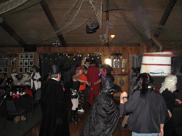 2009 Halloween - SYC%2BHolloween%2B2009%2B025.JPG