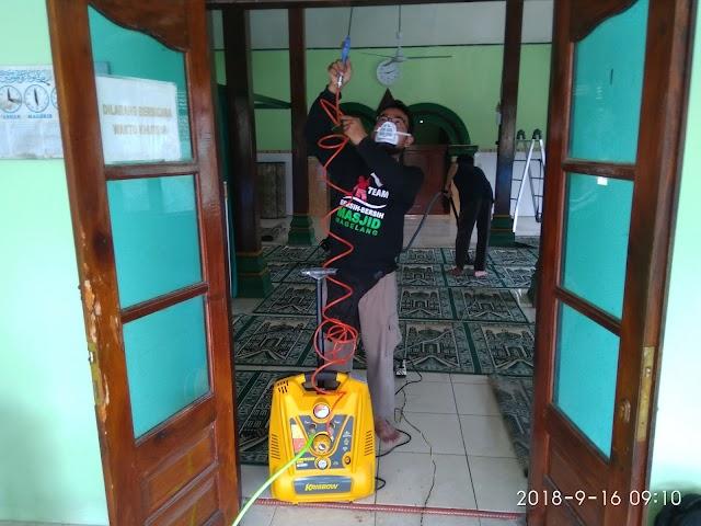 Vacum Ransel dan Kompresor Angin, Peralatan tempur terbaru Tim Bersih-bersih Masjid Magelang-BBM