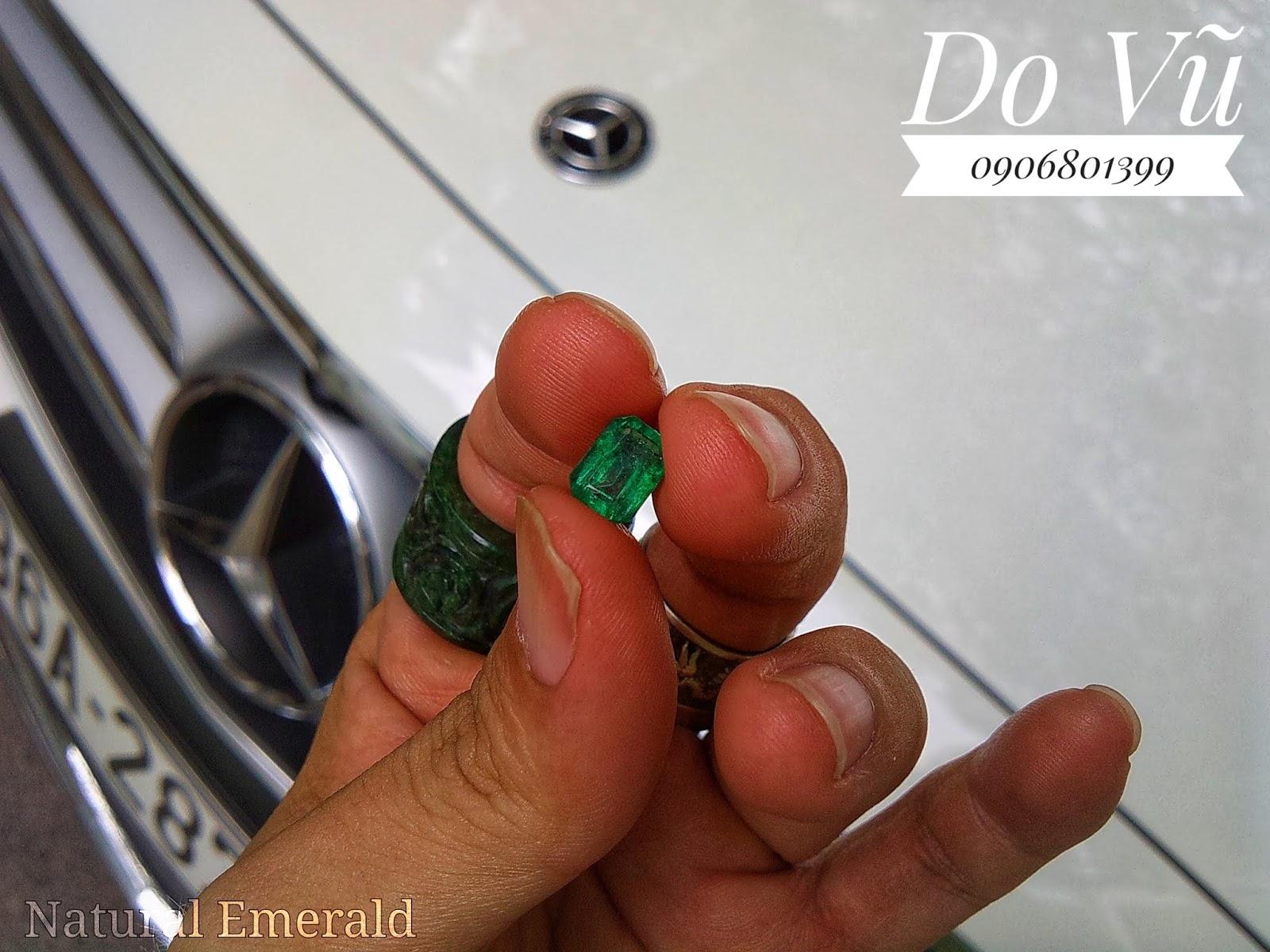 Đá quý Ngọc Lục Bảo thiên nhiên, Natural Emerald chất ngọc kính xanh chuẩn lửa mạnh ( 15/04/20, 01 )