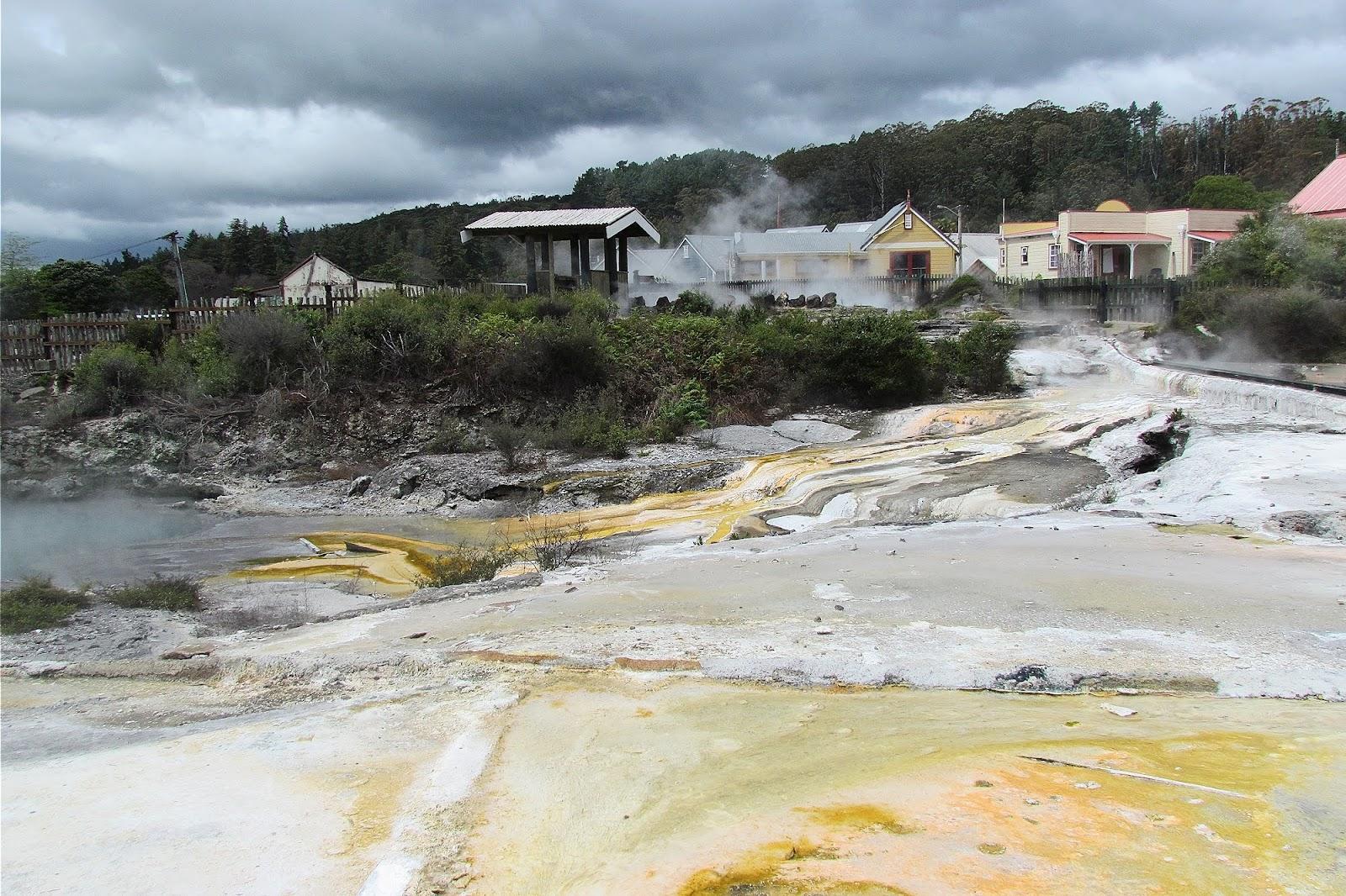 Rotorua Hot Springs 2.jpg