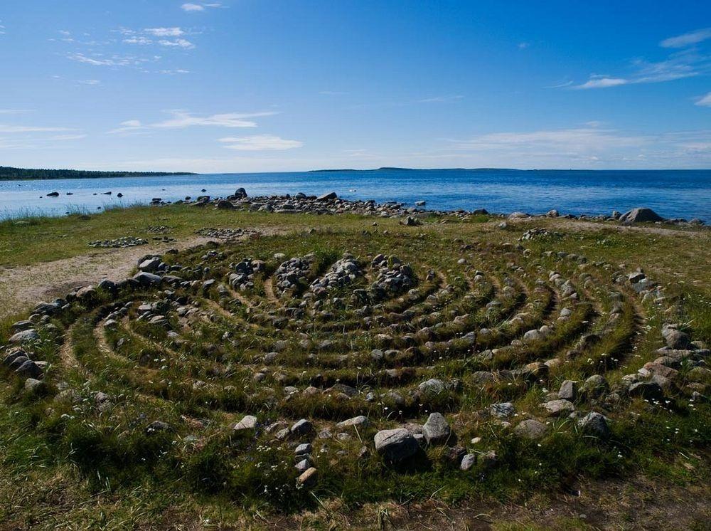 bolshoi-zayatsky-labyrinths-8