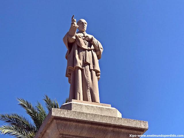 estatua-arzobispo-tarragona-vinaroz.JPG