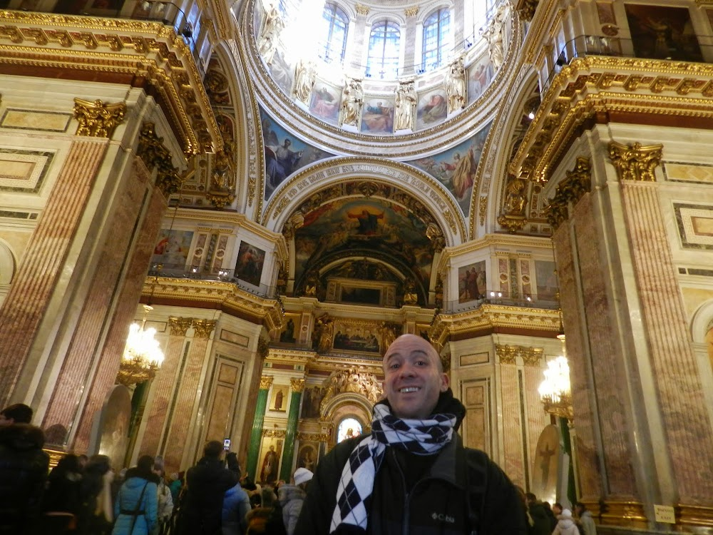Hanging out in the crowded mega-cathedral... good shelter from the nearly unbearable cold outside.