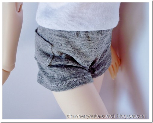 5 a Week: Doll Sized Shorts: Gray Shorts with a Pocket